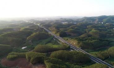 吴圩机场至大塘高速公路
